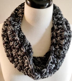 Salt And Pepper Crochet Cowl