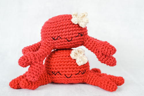 Celia The Crab Amigurumi