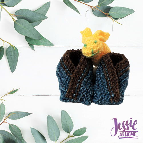 Criss Cross Baby Booties