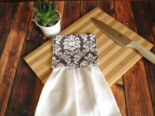 Easy Hanging Kitchen Towel