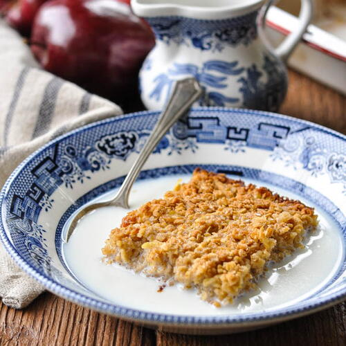 Amish Baked Oatmeal With Apples