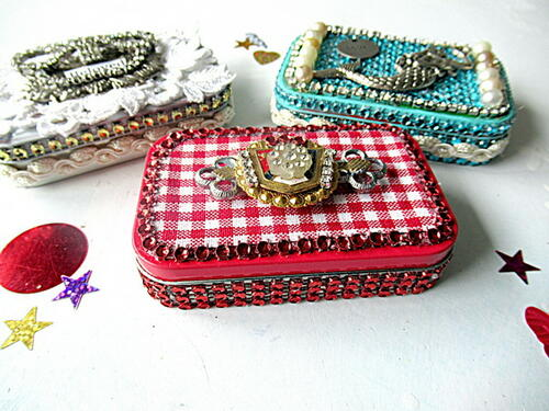 Altered Altoid Tins For Gift Giving