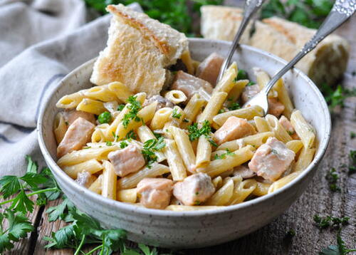 Salmon Pasta With Garlic Cream Sauce