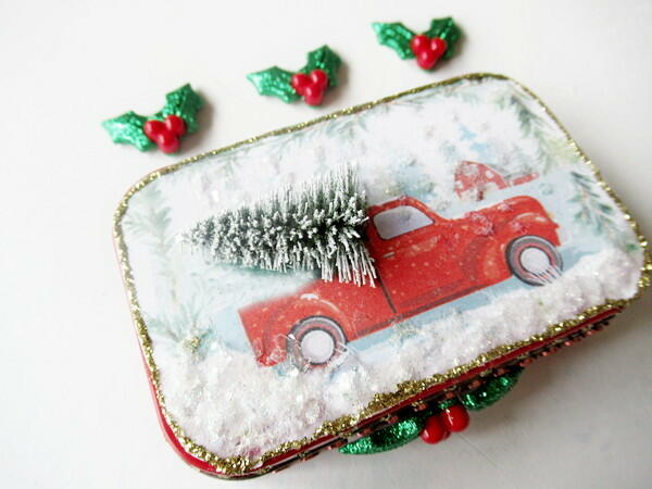 Altered Altoid Tin Christmas Gift Card Holder