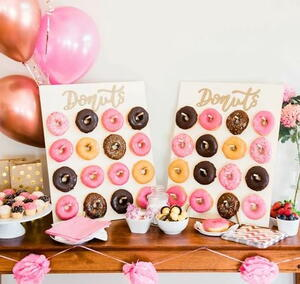 Premium Party Donut Wall Stand Giveaway