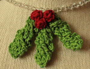 Cable Holly Leaf Necklace