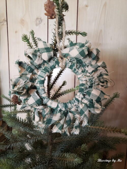 Primitive Wreath Ornament