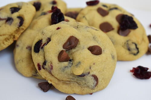 Cranberry And Chocolate Chip Cookies
