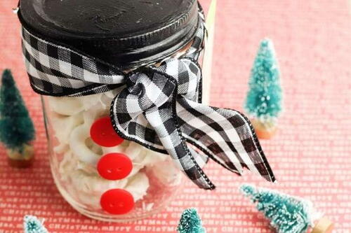 Snowman Mason Jar Food Gift With White Chocolate Covered Pretzels