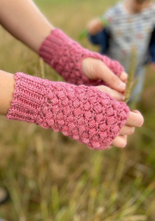 Quick Puff Stitch Crochet Mittens