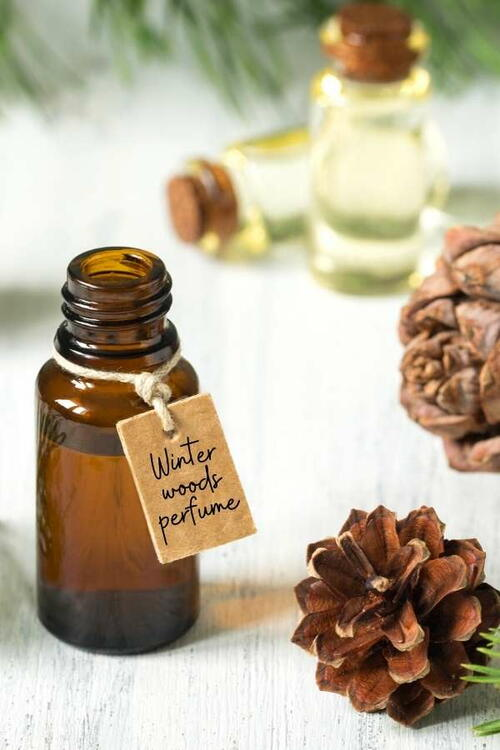 Winter Essential Oil Blend Recipes (and How To Make Natural Perfume