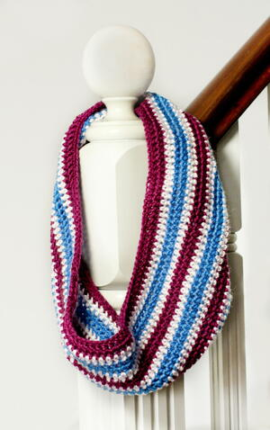 Three Colors Crochet Cowl Pattern