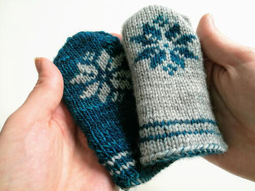 Double Knitted Snowflake Mittens For Babies