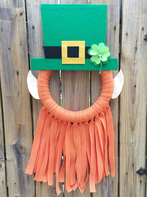 Playful Leprechaun Selfie Wreath