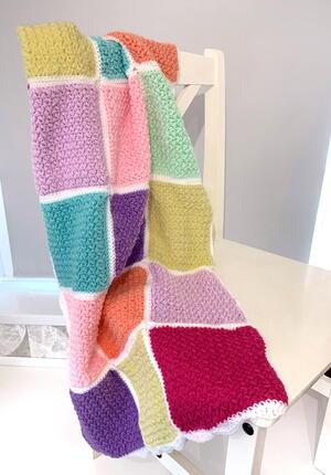 Crochet Grannysquare Disco Yarn Mask