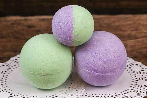 How To Make Glitter Bath Bombs