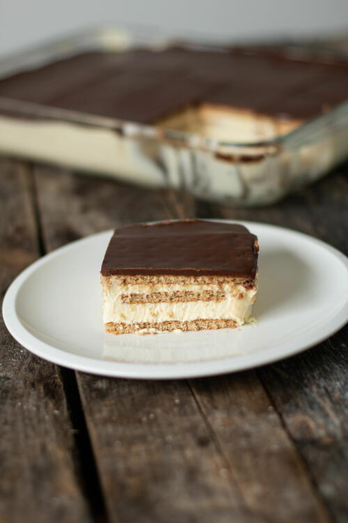 Eclair Cake – My Favorite No-bake Cake Recipe