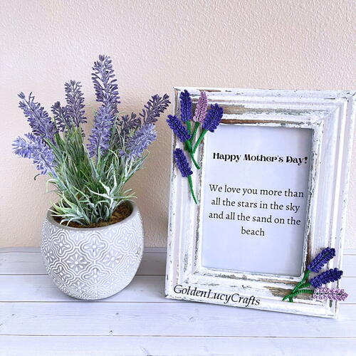 Mother's Day Picture Frame Embellished With Crochet Flowers
