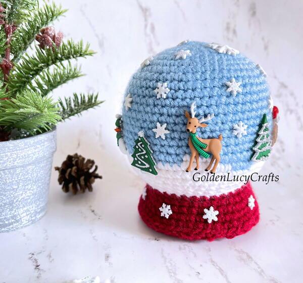 Crochet Snow Globe Amigurumi