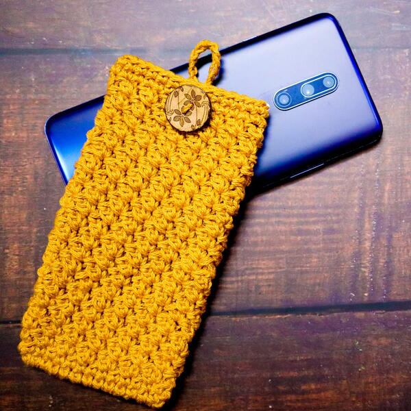 How To Make A Textured Crochet Mobile Pouch